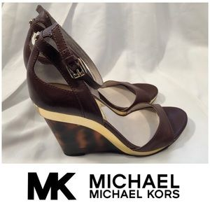 New Michael Kors Brown & Gold Wedges